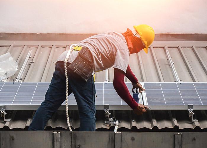 Installation de panneaux solaires thermiques